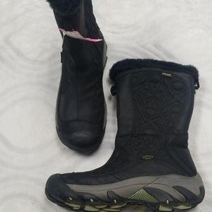 Keen 200 gram black boots size 10
